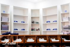 Nel nostro nuovo #Showroom devi solo scegliere il tuo tessuto preferito, a tutto il resto pensiamo noi. #shirt #sartoriale #italia #madeinitaly