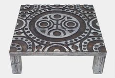 Ława XII wykonana z litego drewna, w tradycyjne sposób, bez użycia jakichkolwiek metalowych łączników, wkrętów itd. Wykończone przy zastosowaniu oryginalnych technik nadających im niepowtarzalnego wyglądu. Swoją stylistyką nawiazują nieco do stylu rustykalnego i stylu skandynawskiego, lecz główna inspiracja przy ich powstawaniu czerpana jest z natury. materiał – sosna, wykończony woskiem, bardzo delikatny satynowy połysk, wymiar: 88cm x 88cm x 29cm x 5,8cm