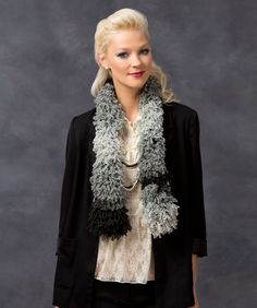 Sizzle Scarf #BoutiqueFizzle #RedHeart #knitting