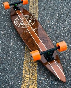 a weapon of mass destruction. Classic pin shape, bolted down with matte black bear trucks and a tasty set of orange softies. Just screaming to go carve and bomb every hill insight. I want one Skullybloodrider. Longboard Design, Longboard Decks, Skateboard Design, Skateboard Decks, Longboard Shop, Vintage Skateboards, Cool Skateboards, Kitesurfing, Skates