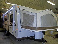 2015 Forest River Rookwood Roo 233S, Travel Trailers - Hybrid RV For Sale in Menomonee Falls, Wisconsin | Roskopf's RV Center ltd. | RVT.com - 24777