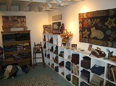 Rug Studio, Quilt Studio, Studio Design, Sewing Spaces, Sewing Rooms, Quilt Shops, Wool Shop, Studio Organization, Wool Art