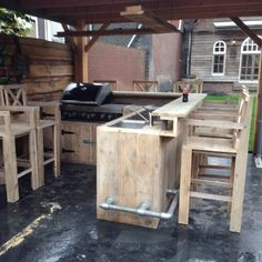 An outdoor kitchen can be an addition to your home and backyard that can completely change your style of living and entertaining. Diy Outdoor Kitchen, Outdoor Cooking, Outdoor Rooms, Outdoor Furniture Sets, Outdoor Decor, Backyard Bar, Backyard Playground, Backyard Projects, Outdoor Projects