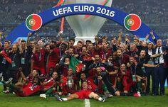 Portugal celebrating #PORFRA #EURO2016