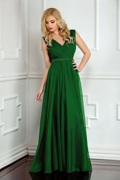Fashion Night Green Dress, back zipper fastening, bare back, embellished accessories, accessorized with tied waistband, inside lining, voile fabric Bridesmaid Dresses, Prom Dresses, Formal Dresses, Wedding Dresses, Little Fashionista, Fashion Night, Women's Fashion, Dress Cuts, Bellisima