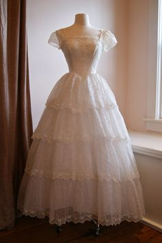 Vintage 1950s Eyelet Lace Wedding Dress With by xtabayvintage, $898.00