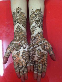 Facebook-bridal-mehndi-designs-for-full-hands-2015-Pakistani-Indian-Arabic-Henna.jpg (400×533)