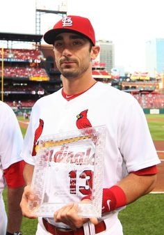 Congrats to Matt Carpenter, who received the Cardinals' Major League Baseball Alumni Association's Heart and Hustle Award for the 2nd consecutive year! Carpenter will be among the 30 team winners considered for MLB's overall honor awarded in November.