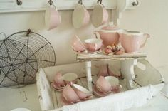 Frans Brocante roze theeservies Pink Palette, My Cup Of Tea, Beautiful Kitchens, Cottage Chic, Kitchen Decor, Kitchen Ware, Shabby Chic Decor, Country Kitchen, French Vintage