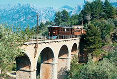 The vintage train of Sóller, in Mallorca, runs between Palma and Soller. Centenario, Varanasi, Train Rides, Seville, Granada, Day Trip, Madrid, Cruise, Places To Visit