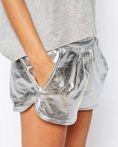Ideia bem fácil de como usar prata no look e ainda ficar discreta