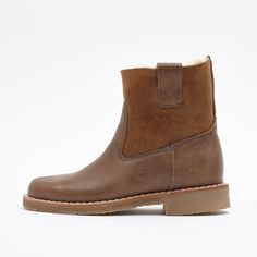 New Shorty Sheepskin Boot | Women's Footwear Shoes and Boots | Roots SIZE 8