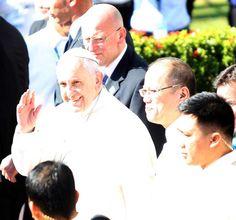 Pope wanted to kick briber 'where the sun never shines' - Yahoo News Philippines Flights To Rome, Yahoo News, Pope Francis, Manila, Never, Philippines, Catholic, Kicks, Sun