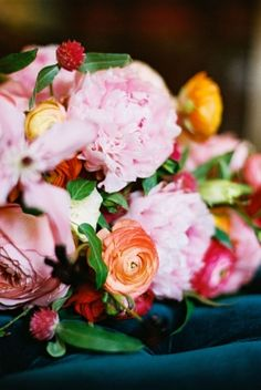 Most amazing florals in this Austin botanical inspired shoot.