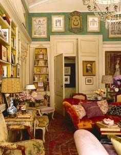 Manhattan apartment of Hamish Bowles-Vogue's international editor at large. Design by Studio Peregalli. Photography Simon Upton, published World of Interiors Nov 2014