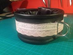 Leder Halsband mit alt rosa spitze, gepolstert mit D-ring by fsewing Mugs, Tableware, Bracelets, Jewelry, Pink, Lace, Ring, Leather, Dinnerware