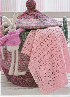 I miei lavori all'uncinetto: Copertine all'uncinetto Afghan Blanket, Baby Blanket Crochet, Crochet Shawl, Crochet Baby, Knit Crochet, Minnie Baby, Manta Crochet, Baby Afghans, Love Crochet