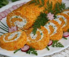 Rolada marchewkowa Polish Recipes, Polish Food, Sushi, Recipies, Paleo, Food And Drink, Appetizers, Low Carb, Yummy Food