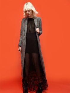 A NEW GRUNGE | Long Coat, Long Lace Dress, Flat Mountain Boots | ZARA Belgium