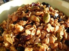 Gluten Free Dairy Free Maple Cinnamon Granola - I cut down on the nuts and added in some extra dried fruit. Freezer Cooking, Freezer Meals, Cooking Tips, Gluten Free Cooking, Dairy Free Recipes, Homemade Breakfast, Breakfast Recipes, Sin Gluten, Cinnamon Granola Recipe