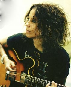★ROCK STAR MONDAY★: LINDA PERRY Live your Life Bigger, Better, Faster, More!