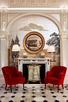 Beautiful Grisaille Mural Wallpaper in the alcove The Peak of Chic®: Fromental at The Goring