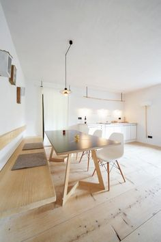Clean and contemporary … Always hard to go past white http://ift.tt/1kszJtb.: Kitchens, Dining Rooms, Interior Design, Benches, Haus Berg, Interiors Design, Minimalist Kitchen, Minimal Interiors, Bavaria Germany