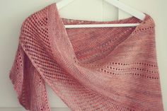Auburn Wave shawl in Madelinetosh colorway 'nectar'