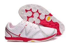 a3a8fa3bb246d Chaussures Baskets New Balance Minimus Zero Blanc Rouge Argent