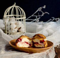 raspberry mascarpone choux a la creme