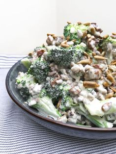 Salad Menu, Salad Dishes, Easy Salad Recipes, Easy Salads, Crab Stuffed Avocado, Waldorf Salat, Cottage Cheese Salad, Seafood Salad, Tomato Vegetable