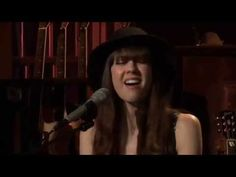 """Diane Birch """"Fools"""" with Daryl Hall (with Diane's vocal improv horn solo intro) - YouTube"""