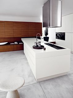 Fitted kitchen LUCREZIA by CESAR ARREDAMENTI | #design Gian Vittorio Plazzogna