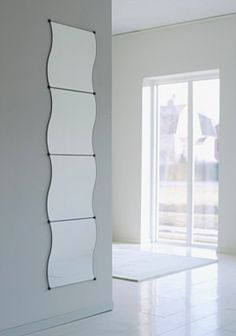 Dorm room on pinterest ikea futons and mirror set for Miroir vague ikea