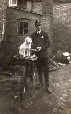 Vintage Royal Mail Photograph of unknown Victorian postman and his guard dog. Antique Photos, Vintage Pictures, Vintage Photographs, Old Pictures, Vintage Images, Vintage Dog, Old Dogs, Dog Photos, White Photography