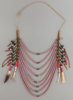 A NORTHERN PLAINS OR PLATEAU LOOP NECKLACE. c. 1890.