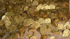 Divers off Israel coast stumble across nearly 2,000 gold coins buried for 1,000 years. http://t.co/6mxcuFbGQF http://t.co/E8iZiOVOzG