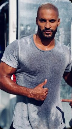 🔥🔥🔥 Ricky Whittle, Whittling, Mens Tops, T Shirt, Fashion, Tee, Moda, Wood Carving, La Mode