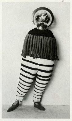 JOJO'S WORLD !: Bauhaus costumes
