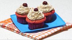Briose cu Capsuni Ziua Indragostitilor / Valentine's Day Strawberry Cupcakes! Strawberry Cupcakes, Desserts, Food, Tailgate Desserts, Deserts, Essen, Postres, Meals, Dessert
