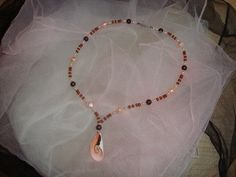 """Halskette """"Muschel rosa"""" Pearl Necklace, Beaded Bracelets, Jewelry, Fashion, Pink, Clams, Neck Chain, Beads, Schmuck"""