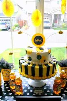 Bumble bee party