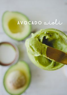 AVOCADO AIOLI // THE KITCHY KITCHEN