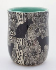 This handmade pottery mug is etched with three playful cats. It is etched by hand with a design that looks like a woodcut. Patricia makes these in her California studio and ships free throughout US. Pottery Mugs, Ceramic Pottery, Ceramic Cups, Ceramic Art, Yarn Bowl, Sgraffito, Cat Jewelry, Pottery Studio, Pottery Painting