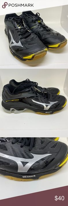 mizuno womens volleyball shoes size 12 feet
