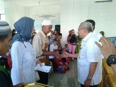 Baznas Makassar Bantu 2.002 Fakir Miskin dan Guru Mengaji