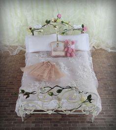 Shabby bunny bed & dining set