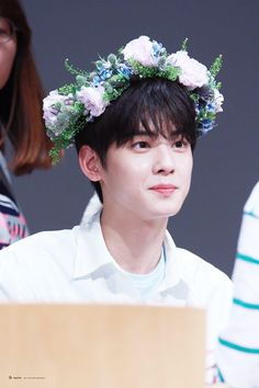 """ASTRO's Cha Eun Woo isn't called """"The Visual God"""" for no reason. He's so good looking that every photo deserves a look twice over!"""