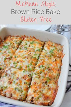 Mexican Brown Rice Bake - Mexican style rice is so popular why not spin it into a full on meal? By using the whole grain rice this Mexican Brown Rice Bake is much more nutritious making it a fabulous gluten free choice the family will gobble up. Healthy Dinner Recipes, Mexican Food Recipes, Cooking Recipes, Gluten Free Recipes Mexican, Recipes With Brown Rice Healthy, Mexican Dishes, Meal Recipes, Vegetarian Recipes, Bon Appetit