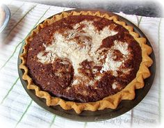 Pennsylvania Dutch Shoo Fly Pie Recipe. I had a roommate in college (we're in the South)  from PA who would visit at summer's end and travel with me to school every year. She would bring one of these pies with her every time.  My Father anxiously awaited her arrival. This pie is amazing! Oreo Dessert, Brownie Desserts, Mini Desserts, Dessert Crepes, Coconut Dessert, Pie Recipes, Amish Recipes, Cooking Recipes, German Recipes